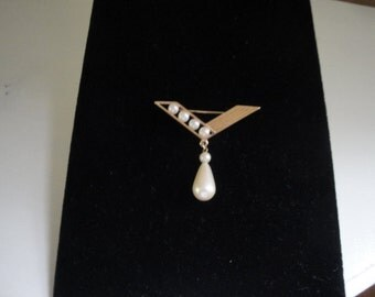 Goldtone Chevron Brooch