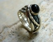Sterling Silver Ring, Silver Wire Wrapped Ring, Onyx Cabochon Ring, Onyx Gemstone Silver Ring, Oxidized Silver Ring, Black Stone Ring, Onyx.