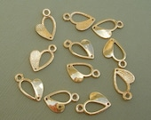 16pcs-Heart  Pendant Connector Gold Plated 17x11mm.