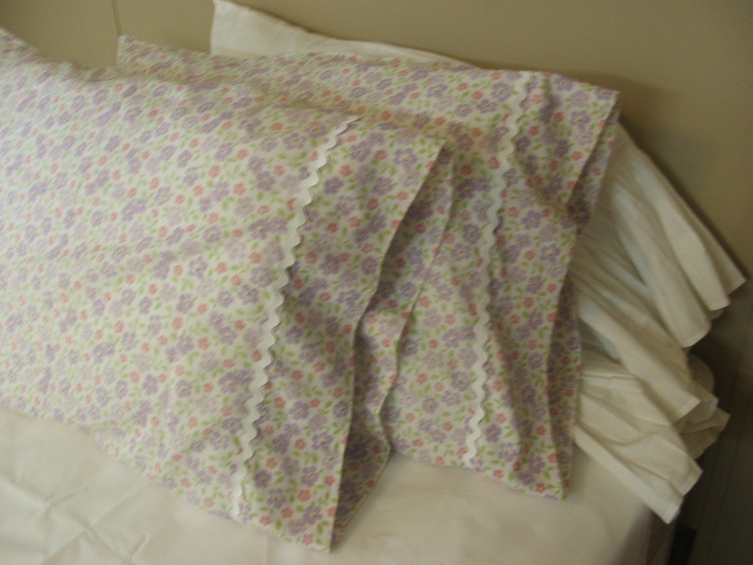 Shabby Chic Bed Pillows : shabby chic pillow cases