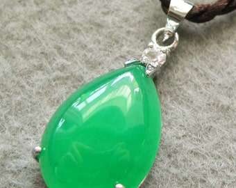 Acrylic Diamond Green Stone Inlaid Metal Dripping Pendant Necklace 20mm x 13mm  T2534
