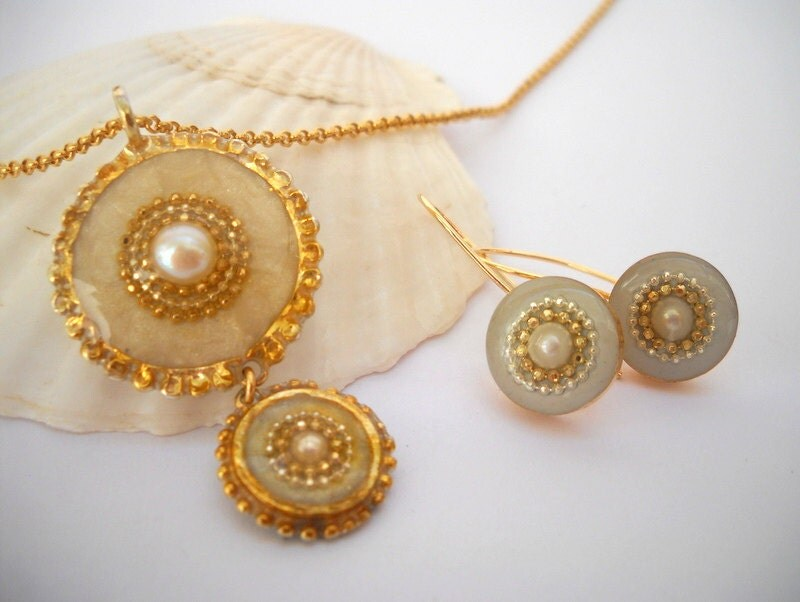 White jewelry set, Sterling silver pendant necklace and earrings, Gold White necklace & earrings inlaid with a pearl, BOHO style 2014