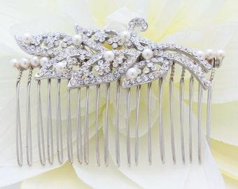 Vintage inspired Wedding hair comb Pearl Bridal hair comb Rhinestone Bridal comb Wedding hair accessories Bridal head piece Wedding comb