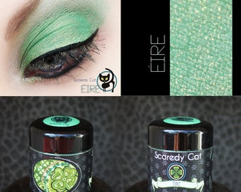 Green Eye Shadow - Kelly Green - Vegan - Scaredy Cat - ÉIRE - 5 mL Sifter