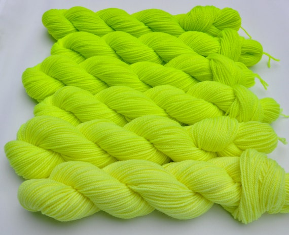 Coolant Yellow Fluorescent Gradated Yarn Set