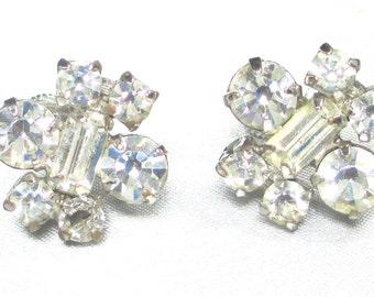 Beautiful Vintage  Rhinestone Screw Back Earrings. Full of Bling