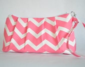 Pleated Wristlet - Coral Chevron