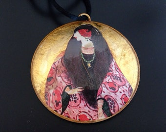 Leona Fein Glass Pendant Necklace - Lady and Red Paisley Shawl Coat - Vintage Judaica - gold leaf - Potichomania - medallion - deco style
