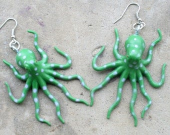 OCTOPUS Earrings..dangly. novelty. sea creature. retro. science. kitsch jewelry. plastic toy. green. pink. arms. legs. aquatic. fish. ocean