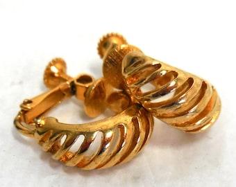 Vintage NAPIER Earrings Gold Open Twist Hoop Clip Bride modern Fashion Classic