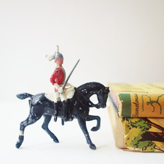 Antique Lead Soldier, Old Brittain Toy, Horse and rider, Soldier toy, Diorama, French Soldier, Black horse, metal toy, Vintage nursery decor - ZomaleeVintage