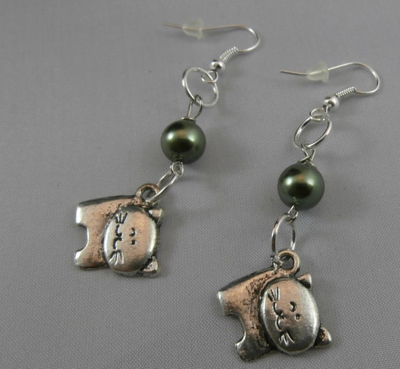 Green Pearl and Silver Cat Earrings