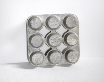 Wagner Ware Little Gem Pan - Cast Aluminum Tin - Popover Muffin Tin - Wagner Ware - 9 Cup Wagner