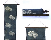 Textile Display Hanger. Wooden Fabric Scroll. Wall Hanging Supply. (Ref: 1690)