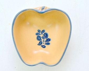 Vintage Folk Art Pfaltzgraff Stoneware Small Apple Shaped Baker Bowl