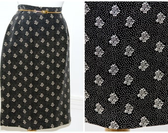 Silk print high waisted pencil skirt / black & cream dainty tiny flowers / form fitting retro Ann Taylor Studio designer / size 8