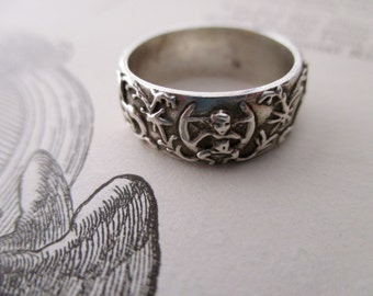 vintage sterling silver ring- Cupid, love, ornate, band,  size 7.25