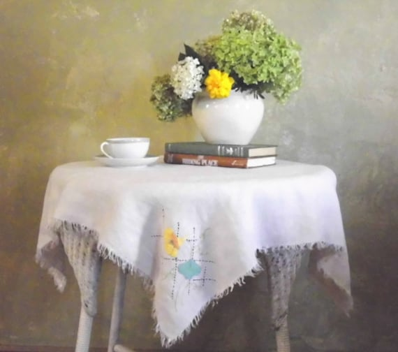 1930s Linen Tablecloth Embroidered Appliqued Fringed 33