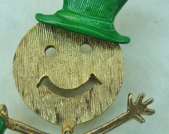 Vintage Smiling Dancing Man Pin Brooch lucky shamrock green Top Hat and Cane