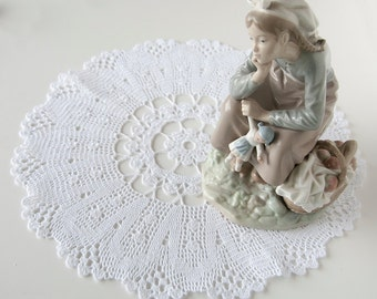Doily, crochet centerpiece, cotton,white thread, home decor, tabletop decor, intricate detail, heirloom quality, mothers day, home decor