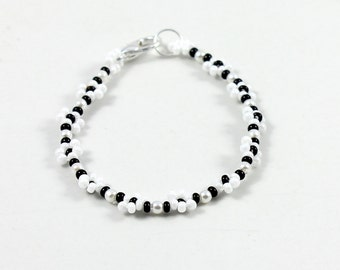 Girls Daisy Chain Bracelet - Children's Jewelry - Child's Black and White Seed Bead Bracelet - Kids Beaded Jewelry - Bracelet For Girls