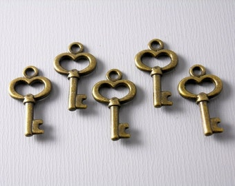 CHARM-AB-KEY-15.5MM - Antiqued Bronze Skeleton Key Charms - 10 pcs