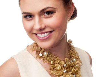 Magnificent gold bridal necklace collar crocheted from gold wire. Unique gold wire wedding necklace collar. Gold bridal exquisite jewelry.
