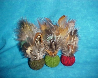 CATNIP FREE 3 Recycled, felted wool and  feathers. Cat toys.