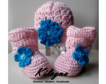 crochet baby slouchy  boots and hat set Pink / Turquoise  0-6 mont  Photo Prop newborn take home hospital outfit