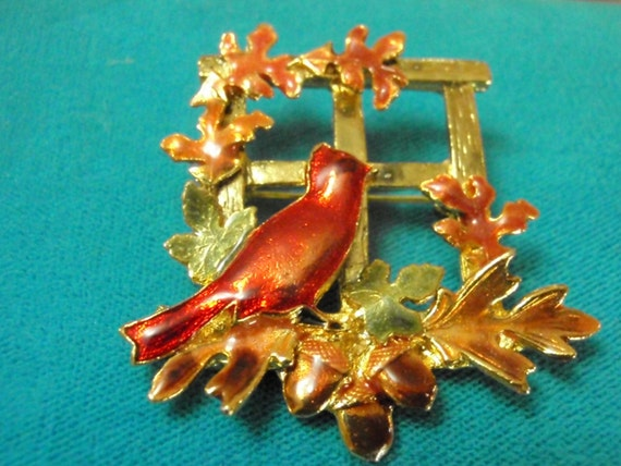 Kc Cardinal Pin With Oak Leaves And Acorns    Vintage Fall