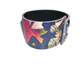 Leather Bracelet.Biker leather bracelet.Sexy leather bracelet.Water lily and Swell Lady Bangle Bracelet.Unisex