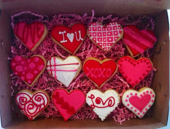 Valentines day Decorated heart sugar cookie medium gift box