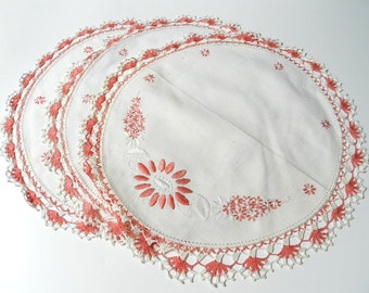 Vintage Coral Peach and Ivory Dresser Scarf Table Topper Round Doily Set of 3