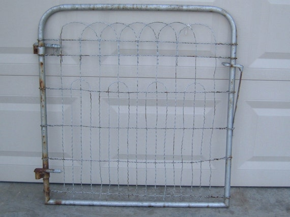 Metal Twisted Wire Garden Gate with hinges