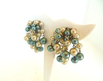 Vintage Clip Earrings Shaggy Dangle Blue Gray Pearls Silver 50's (item 211)