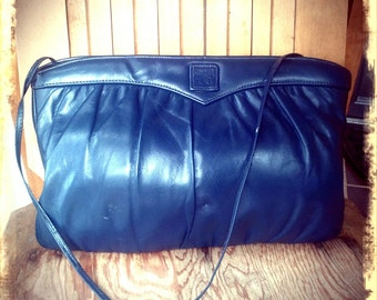 NAVY   ///    Blue Leather Clutch Purse