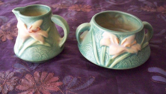 Roseville Pottery Zephyr Lily Sugar Bowl And Creamer Pitcher