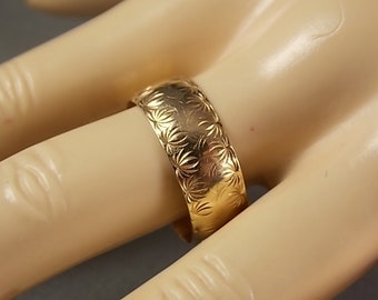 Vintage Etched Wide Gold Band Ring 7.7mm Wide Size 9.5 Yellow Gold 14K 4.7gm Wedding Ring