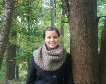 Chunky Seeded Cowl Knitting Pattern (PDF)
