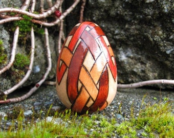 """Celtic Knotwork Pyrography Woodburning 1.5"""" Maple Wood Egg"""