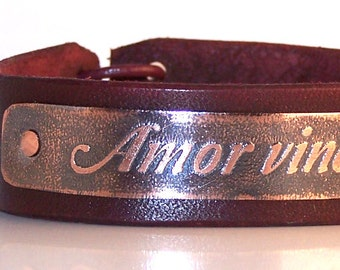 Amor Vincit Omnia - Love conquers all - Mens leather bracelet,  inscription in Latin