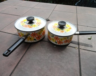MOD vintage Ekco Country Garden pot and lid