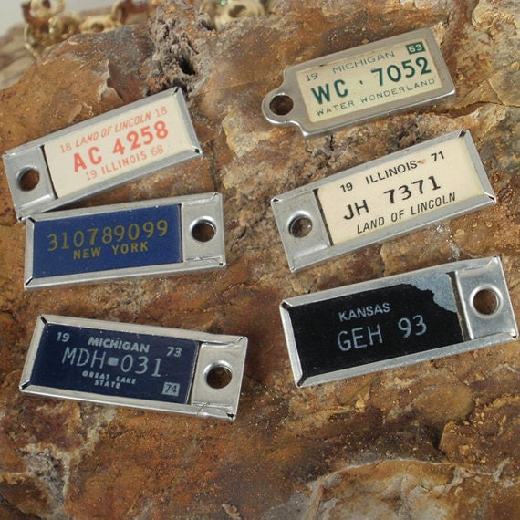 Miniature License Plates - SIX DAV Tags