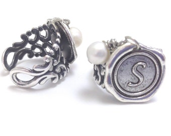 2 Wax Seal Rings: Best Friends, Mom & Daughter, Cousins, Bridesmaids Initial Wax Seal, Freshwater Pearl (oer2)