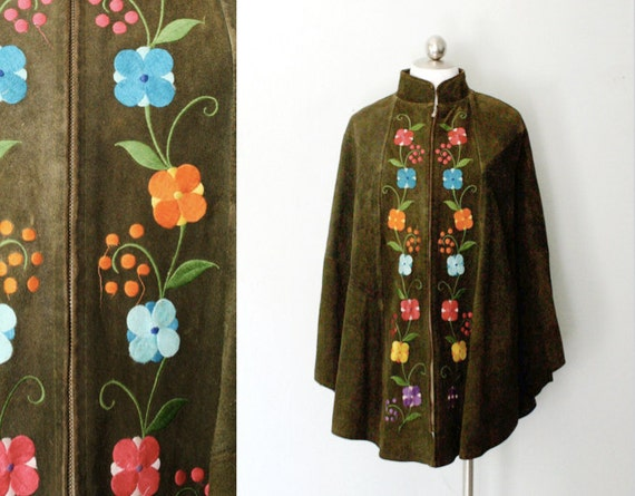 1970s boho suede cape // embroidered olive green cape // bohemian vintage poncho // most sizes