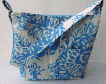 Fabric Tote Handbag Purse Blue and White Floral Lots of Pockets