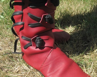 Haithabu: Handmade Medieval leather Boot
