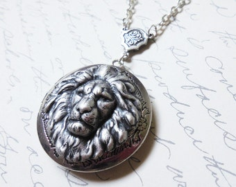 Lion Locket.Antique Victorian Inspired Lion Silver Locket.Father's Day gift.photo locket
