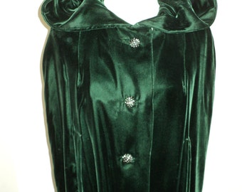 Vintage Dark Green Velvet Opera Cape,  A Full Length Cape and black bakelite plastic and rhinestone buttons in Near Mint Condition
