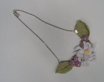 Dainty Flower Necklace,Boho Brides Necklace, Crocheted Wedding Necklace, Bohemian Daisy Necklace, Purple Flowers, Mori Girl,Boho Hippie Chic